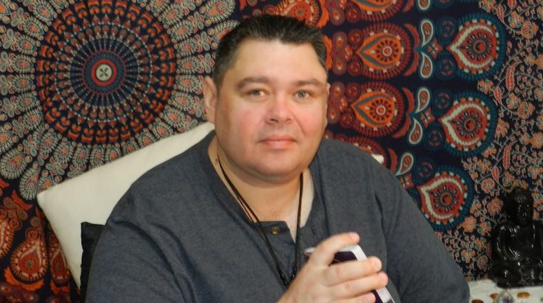 Online Clairvoyant Chris McBride